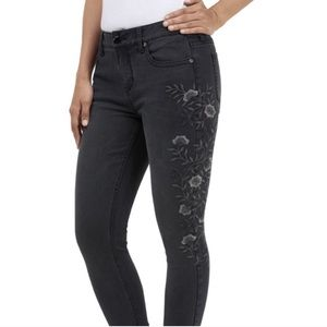 7FAM Black Embroidered Skinny Jeans Size 14